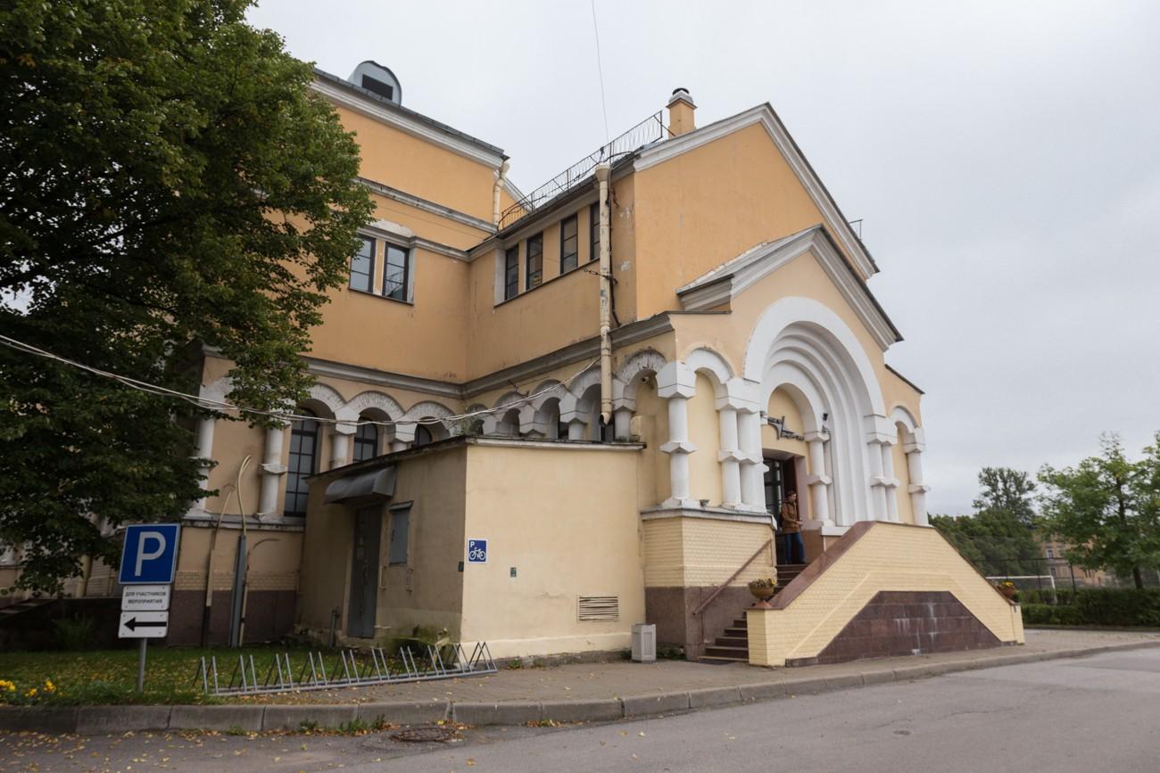 Церковь Усекновения Главы Иоанна Предтечи (Лесной проспект, дом 16)
