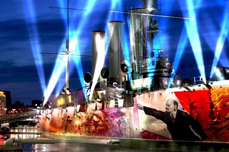 Нижегородские живописцы  «раскрасили» крейсер «Аврора» вПетербурге