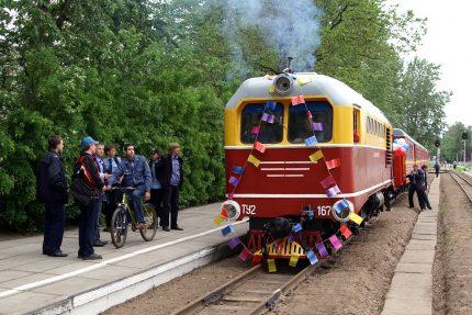малая октябрьская детская железная дорога тепловоз ТУ2-167