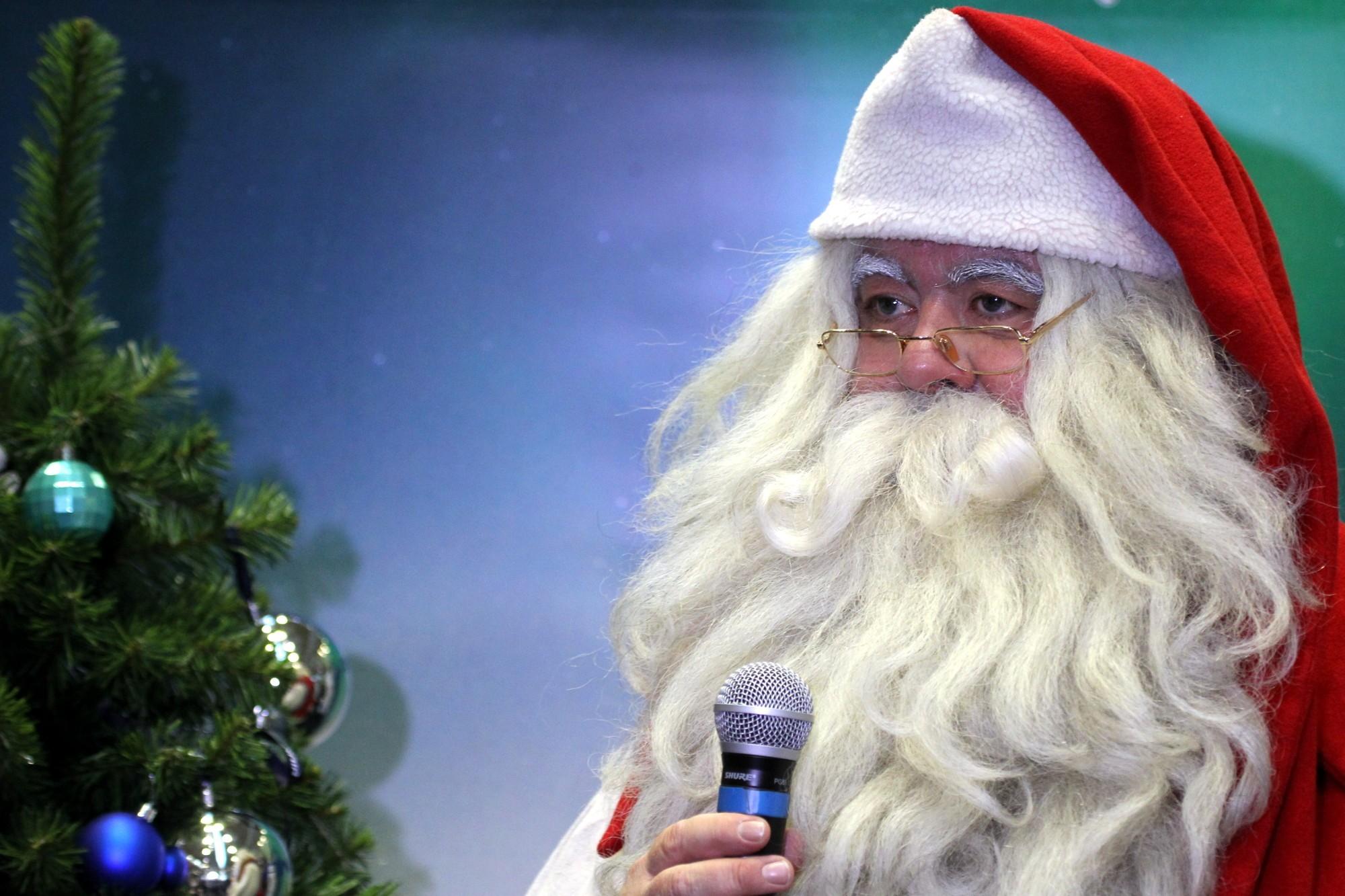 В «Пулково» пассажиров нарейс вФинляндию регистрирует Санта