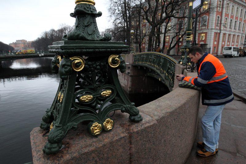 ВПетербурге обновили Трехмостье иПантелеймоновский мост