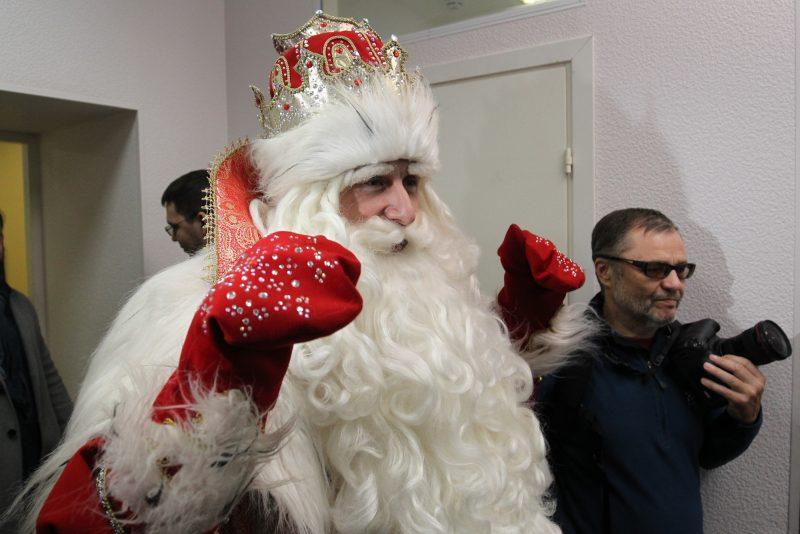 ВПетербурге состоялся традиционный забег Дедов Морозов