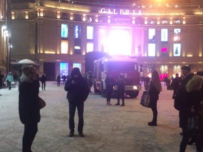 Станцию метро «Площадь Восстания» закрыл напроверку очередной рассеянный петербуржец