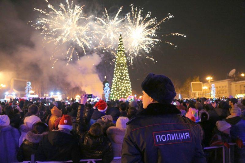 полиция полицейский новогодние гуляния новый год 2018