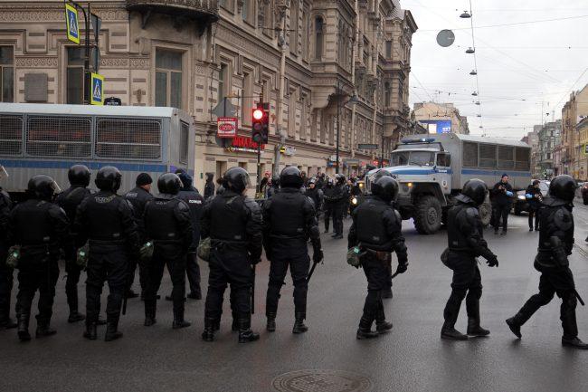 акция протеста забастовка избирателей сторонники Навального оппозиция политика ОМОН полиция