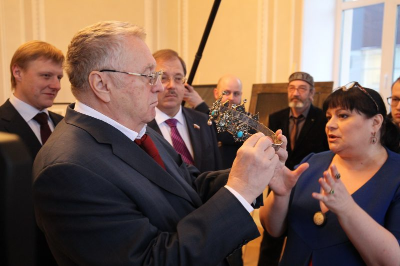 Владимир Жириновский корона