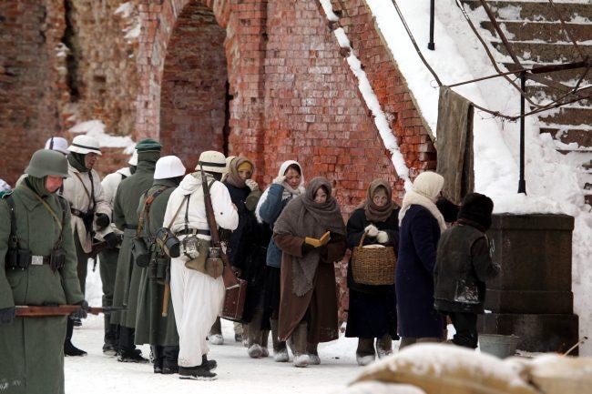 реконструкция Сталинградская битва Вермахт гражданское население женщины