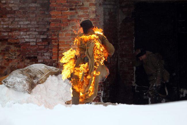 реконструкция Сталинградская битва Красная Армия горящий человек