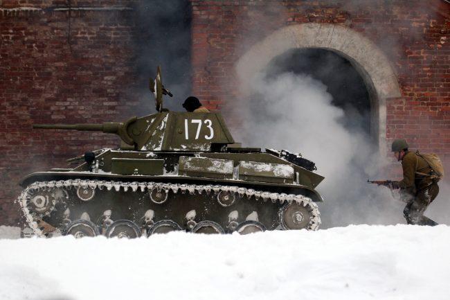 реконструкция Сталинградская битва военная техника танк Красная Армия