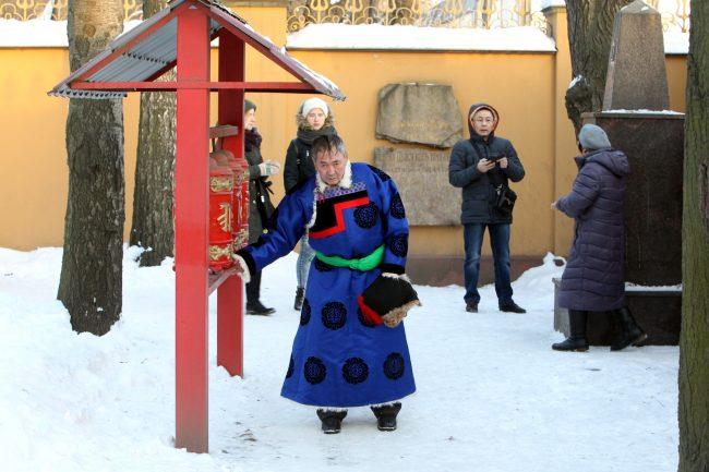 буддизм Сагаалган Дугжууба восточный новый год в дацане Гунзэчойнэй гороо барабаны хурдэ лама