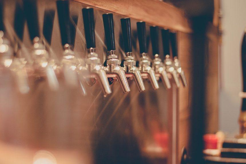 пиво бар паб  beer-tap-2435408_960_720