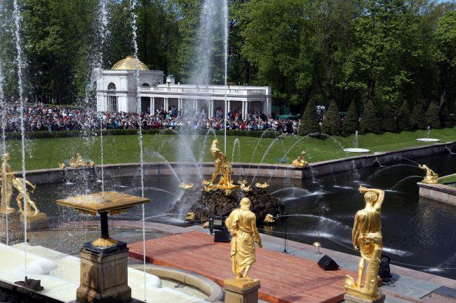 праздник открытия фонтанов ГМЗ Петергоф