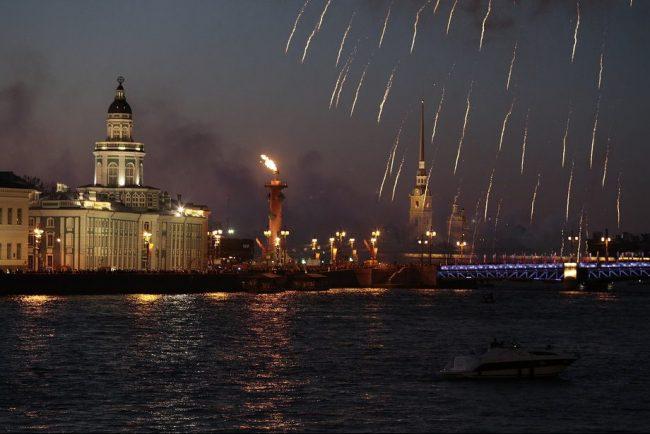 салют нева ночь ростральные колонны день победы 9 мая