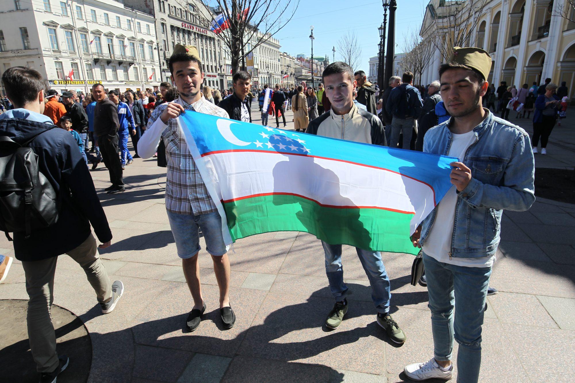 День Победы опрос узбеки флаг Узбекистана