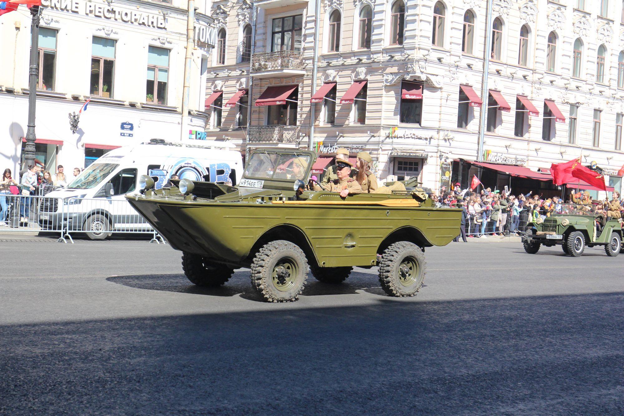 IMG_3032 день победы невский танк самодельный ряженые реконструкция