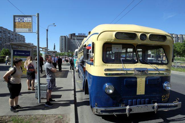 парад ретротранспорта троллейбус мтб-82
