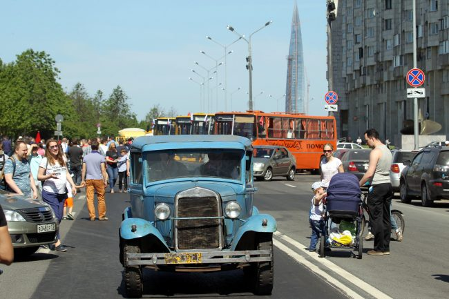 парад ретротранспорта автобусы лахта-центр