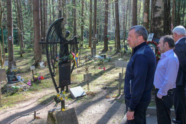 мемориальное кладбище освящение храма в Левашово Игорь Албин