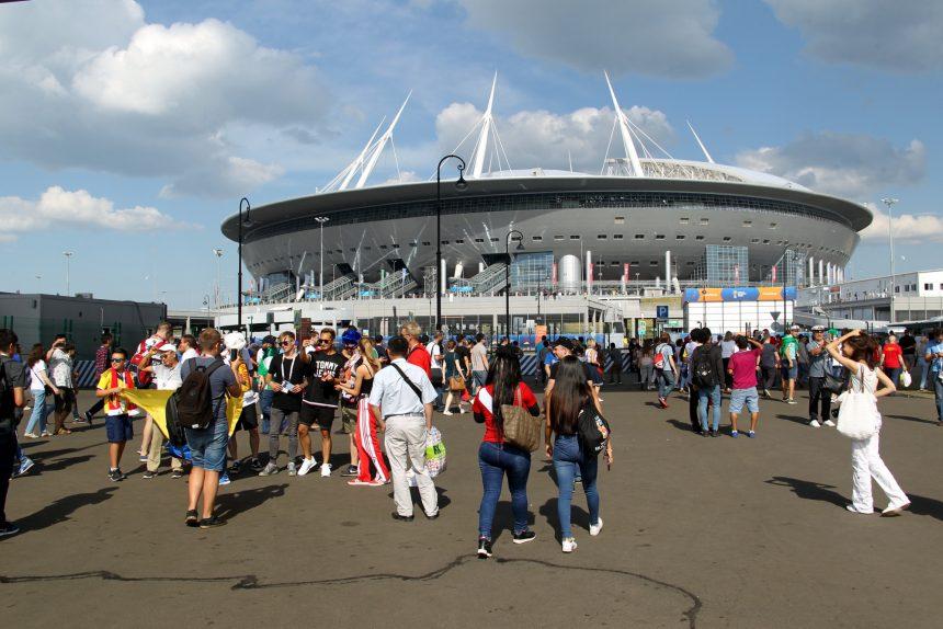 стадион на Крестовском Санкт-Петербург Зенит-Арена ЧМ-2018 футбол болельщики фанаты
