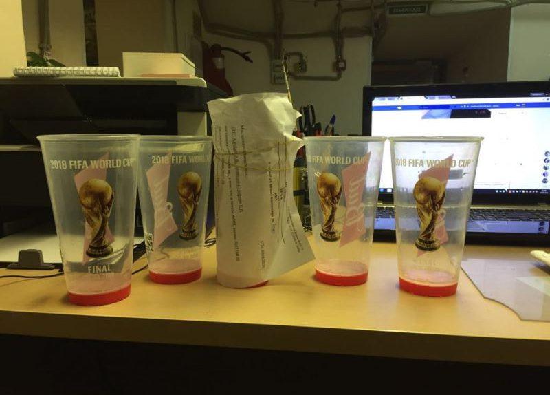 стаканы пластик одноразовые фифа фм чемпионат мира по футболу бад bud