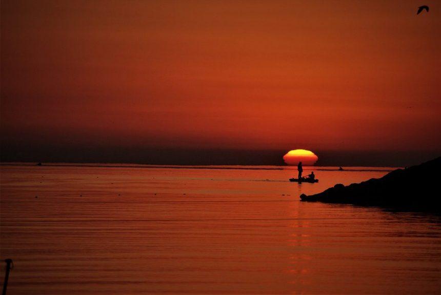 каспийское море каспий закат водоём вода солнце