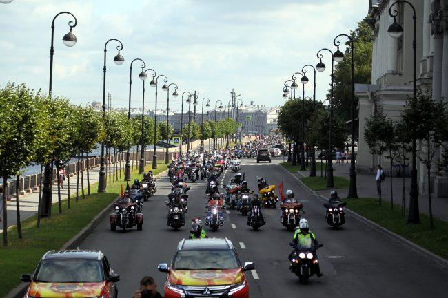 мотопробег мотофестиваль Harley Days мотоциклисты байкеры набережная Макарова