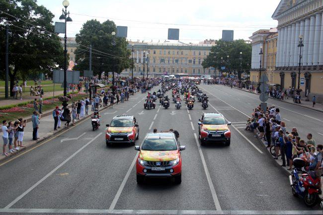 мотопробег мотофестиваль Harley Days мотоциклисты байкеры Дворцовый проезд