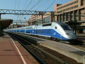 поезд париж