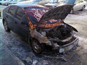пожар сгоревший автомобиль форд фокус, фото МЧС