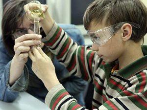 дети наука образование школа химия, фото с сайта www.navigato.ru