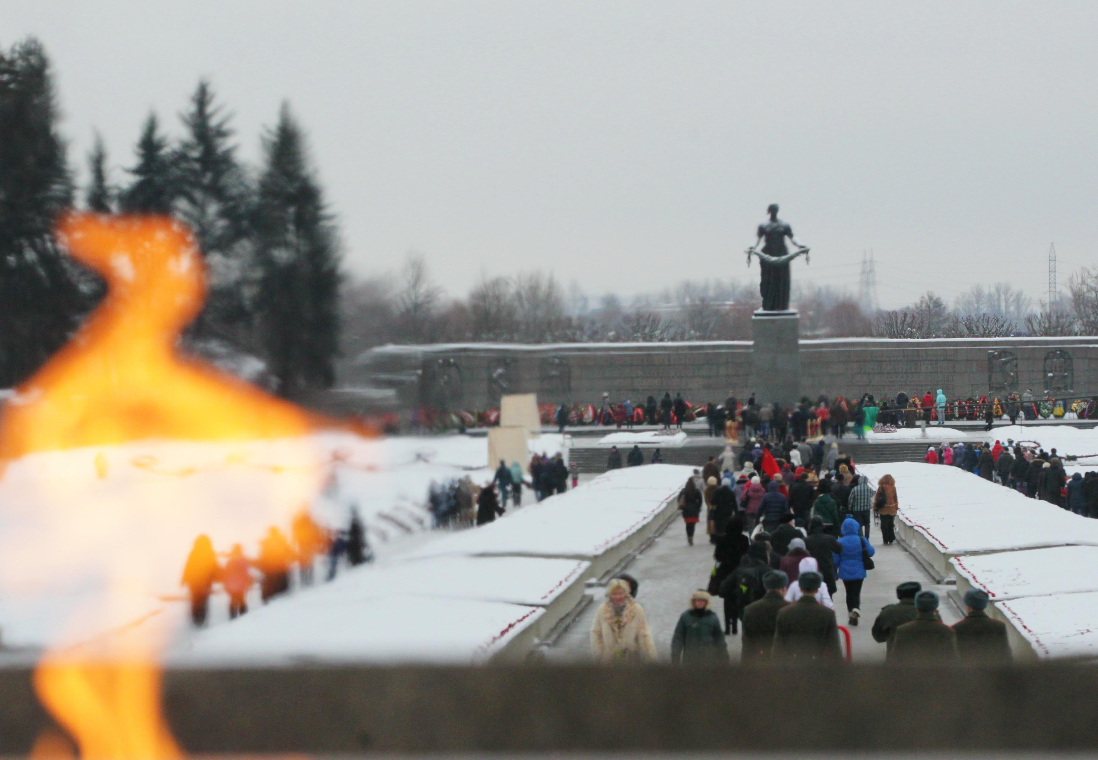 пискаревка Пискаревское кладбище Мать-Родина блокада война
