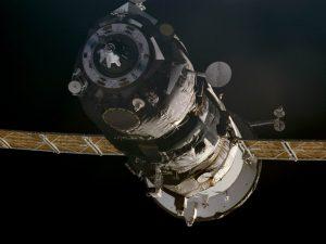 Прогресс космос progress M1-4 iss001-324-002