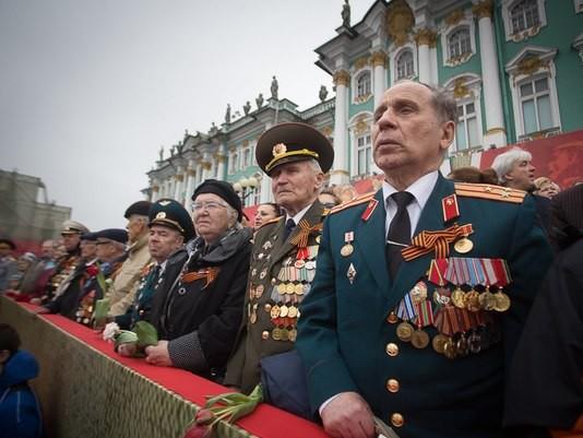 парад день победы ветераны