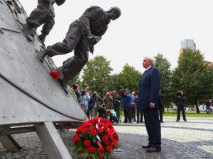 полтавченко памятник спецназ
