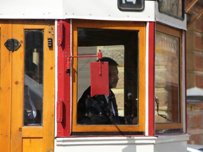 ретро-трамвай день победы
