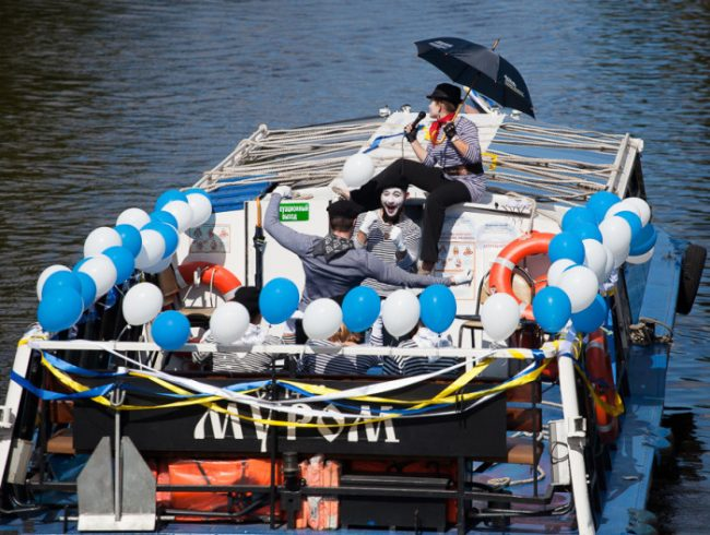 лодки речной фестиваль кораблик крюков канал
