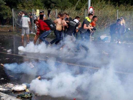 венгрия мигранты беженцы протест