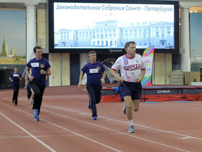 депутаты ЗакСа сдают нормы ГТО макаров