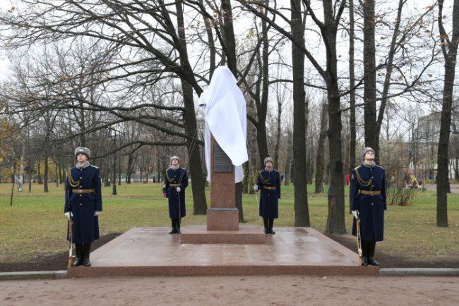 0D2K2360 памятник николаю майданову николай майданов