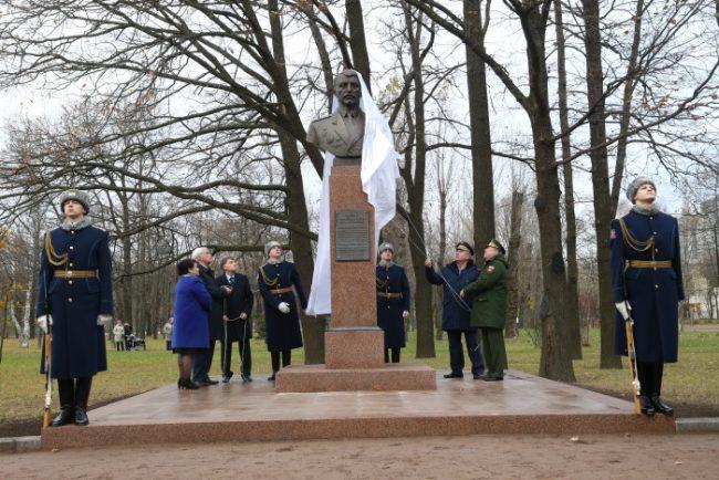 0D2K2403 памятник николаю майданову николай майданов