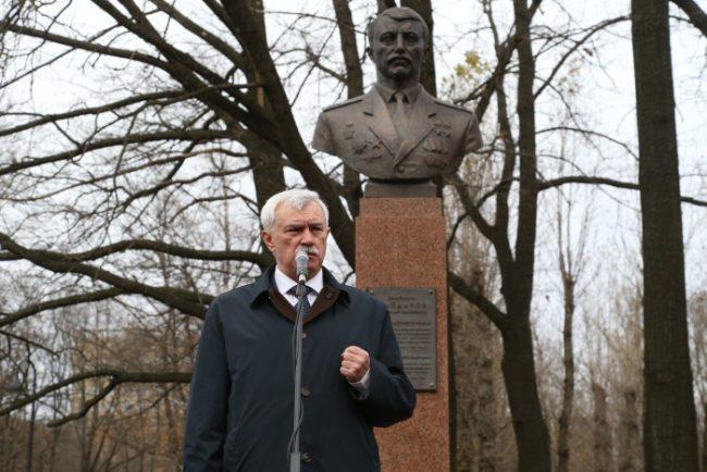0D2K2462 памятник николаю майданову николай майданов полтавченко
