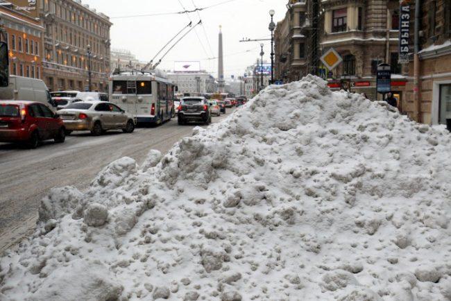 снег зима в петербурге уборка снега сугроб