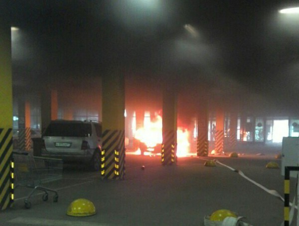 пожар лента парковка автомобиль2