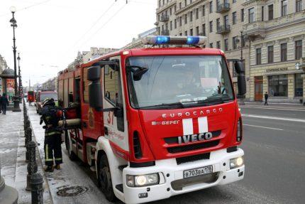 пожарная машина мчс пожарные
