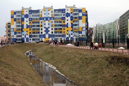 ленинградская область новый оккервиль кудрово новостройки строительство жилые дома квартал вена молодые мамы коляски дети