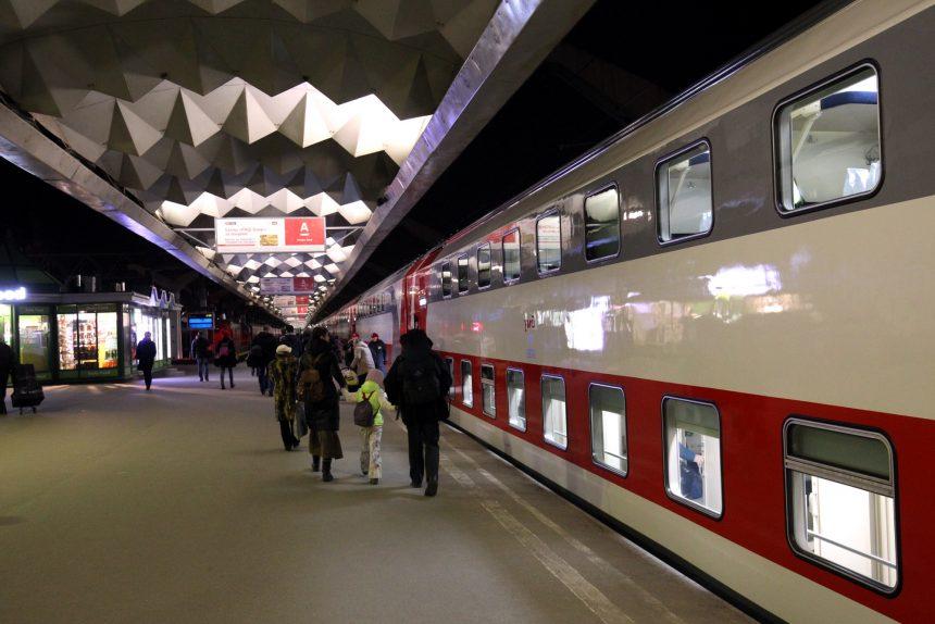 железная дорога железнодорожный транспорт ржд московский вокзал двухэтажный поезд