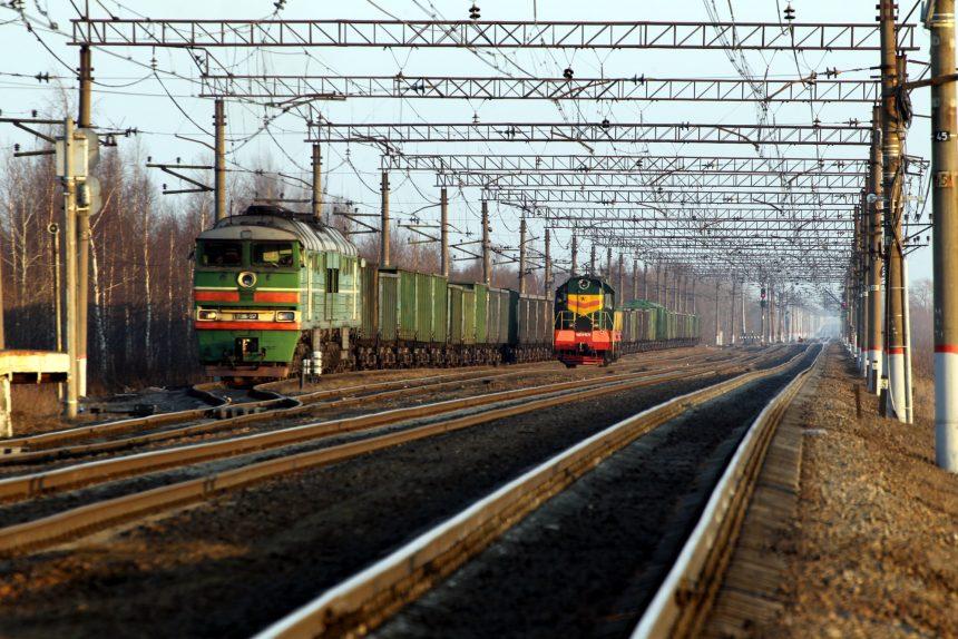 локомотив тепловозы чмэз 2тэ116 железнодорожная станция шоссейная железная дорога транспорт вагоны