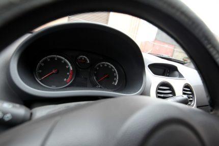 автомобиль машина руль приборная панель