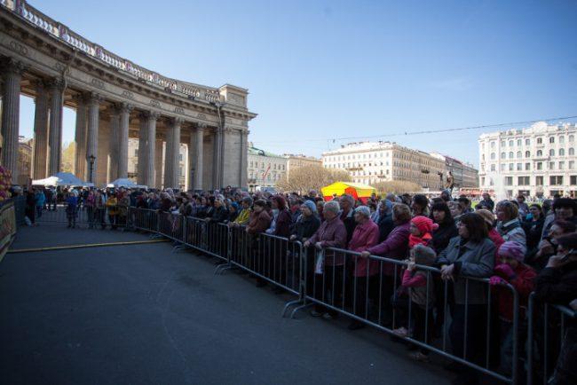 пасхальный фестиваль люди у казанского