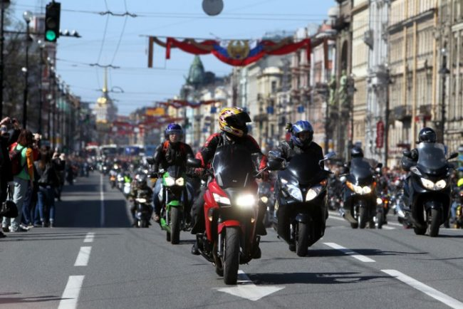 открытие мотосезона байкеры мотоциклисты невский проспект